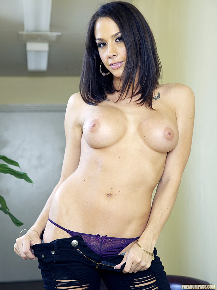 Chanel Preston Tits
